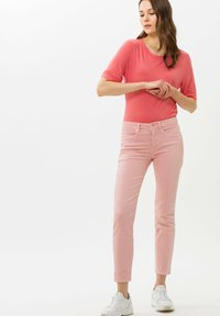 BRAX - STYLE COLETTE - Basic T-shirt - coral - 1