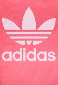 adidas Originals - TREFOIL TEE - Print T-shirt - hazy rose - 2