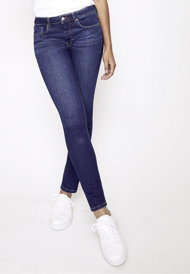 GRACIA - Slim fit jeans - blau