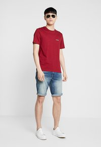 Calvin Klein Jeans - SLIM - Džínové kraťasy - denim - 1