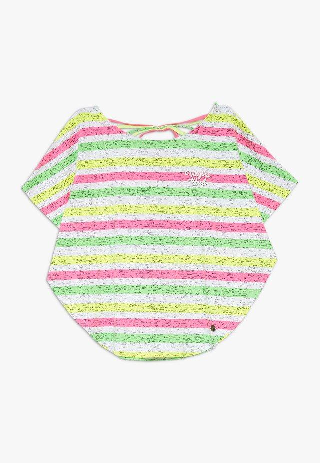 ILENE - T-shirt z nadrukiem - neon pink