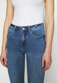New Look - MIDRISE SUPERSOFT  - Jeans Skinny Fit - mid blue - 5
