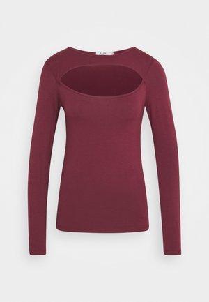 Long sleeved top - burgundy