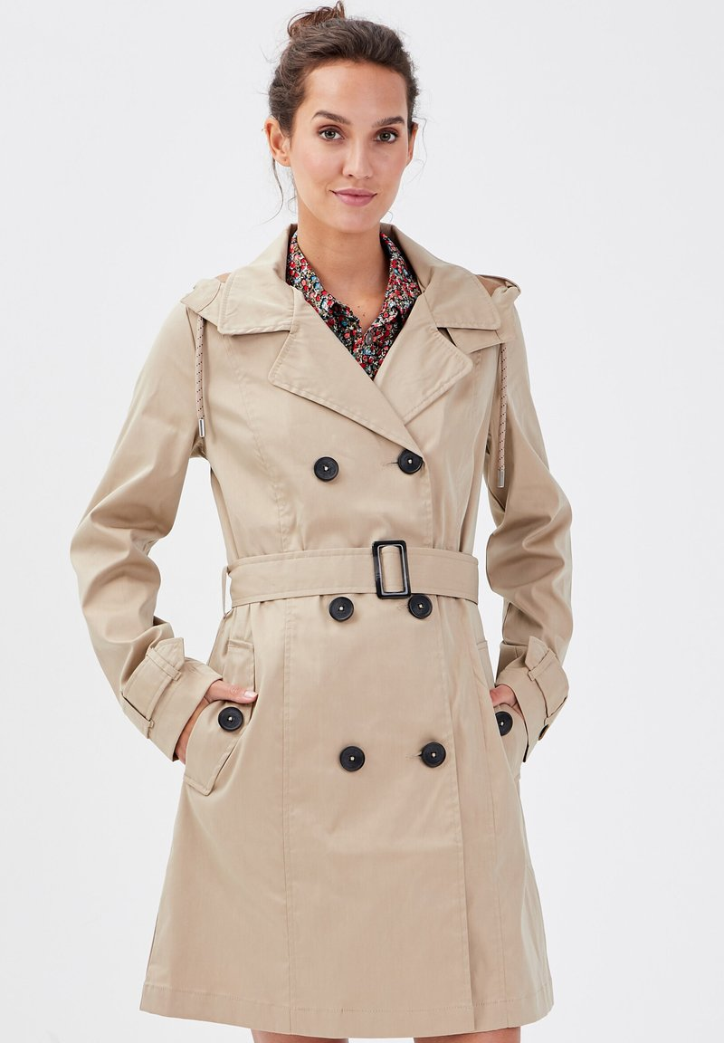 Cache Cache - Trenchcoat - sable