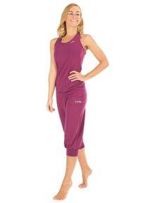 Winshape - 3/4 sports trousers - berry love - 1