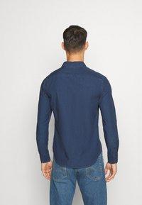 Levi's® - SUNSET SLIM - Shirt - alfonso indigo - 2
