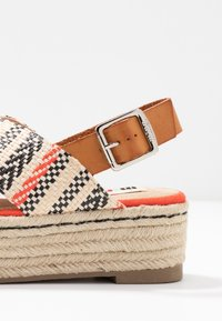 mtng - NEW TESSY - Espadrilky - coral - 2