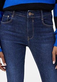 PULL&BEAR - PUSH UP - Jeans Skinny Fit - mottled dark blue - 3