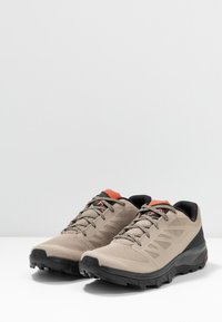 Salomon - OUTLINE - Trekingové boty - vintage kaki/black/burnt brick - 2