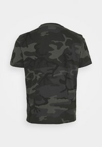 Alpha Industries - BASIC CAMO - Print T-shirt - black - 1