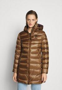 Blauer - IMPERMEABILE LUNGHI IMBOTTITO - Down coat - dark beige - 0