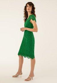 IVY & OAK - DRESS - Juhlamekko - irish green - 1