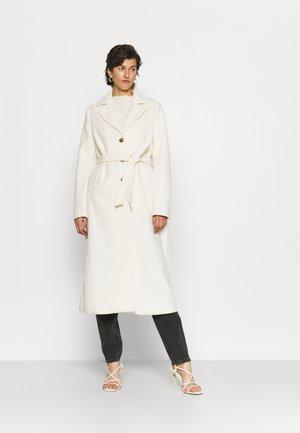 CEDAR BELTED LIKE COAT - Classic coat - cream