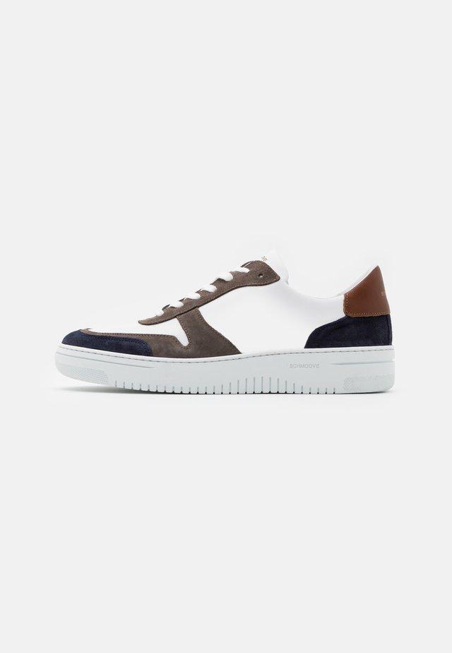 EVOC - Sneakers - navy/cognac