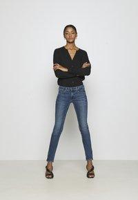 Tommy Jeans - SOPHIE ANKLE ZIP  - Jeans Skinny Fit - jasper mid blue - 1