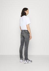Calvin Klein Jeans - SLIM FIT - Slim fit jeans - denim grey - 2
