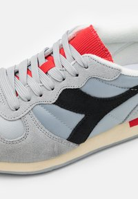 Diadora - ICONA UNISEX - Trainers - high rise/black/fiery red - 5