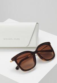 Michael Kors - Occhiali da sole - dark tort - 2