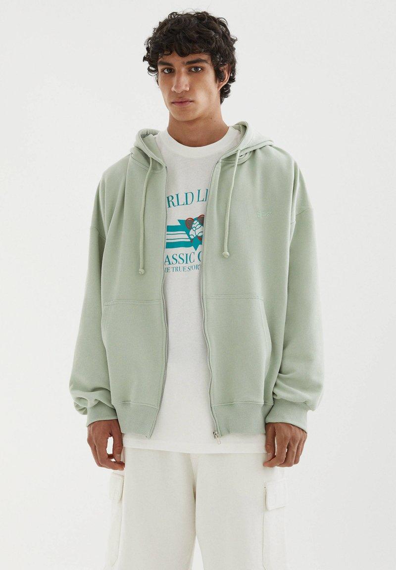 PULL&BEAR - Zip-up sweatshirt - green