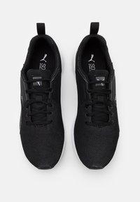 Puma - COMET 2 UNISEX - Zapatillas de entrenamiento - black/white - 3