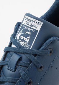 adidas Originals - STAN SMITH - Tenisky - new marin/footwear white - 2