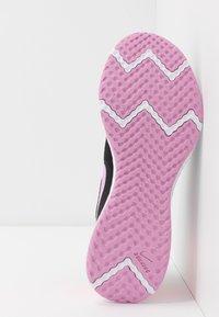 Nike Performance - REVOLUTION 5 - Neutral running shoes - black/beyond pink/flash crimson - 4