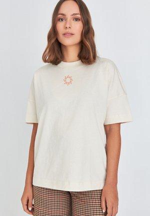 SUNSHINE WALKING - T-shirt print - off white