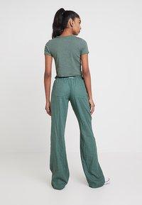 Roxy - OCEANSIDE PANT - Trousers - duck green - 2