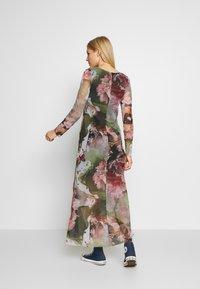 Desigual - VEST ARLES - Maxi šaty - green - 2