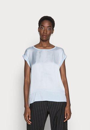 THILDE - Basic T-shirt - skyway