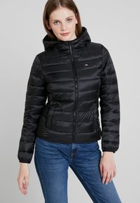 Tommy Jeans - QUILTED ZIP THRU - Light jacket - black - 3