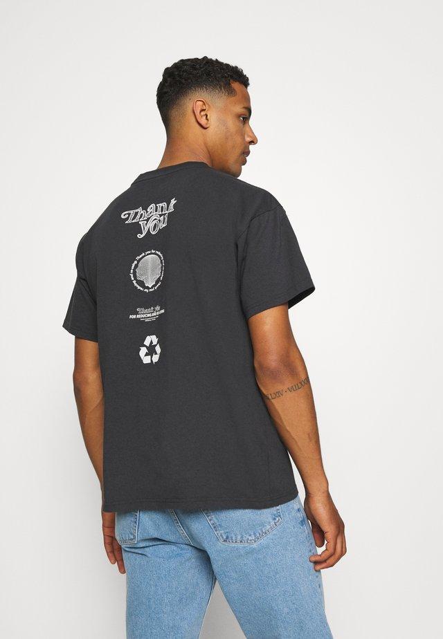 TROOPER TEE - T-shirt con stampa - graphite