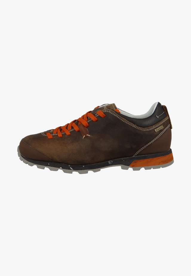 Hiking shoes - beige orange