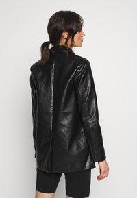 Missguided - Short coat - black - 2
