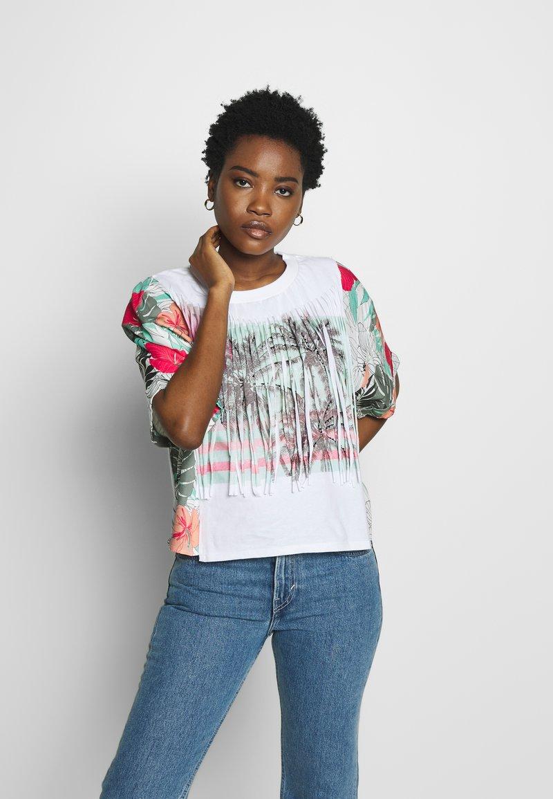 Desigual - HONOLULU - T-shirt z nadrukiem - blanco