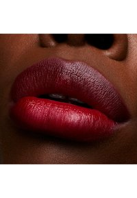 MAC - LOVE ME LIPSTICK - Rouge à lèvres - maison rouge - 4