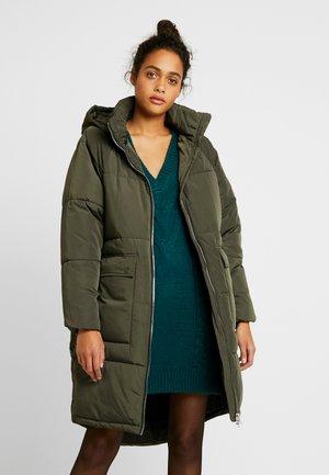 ONLGABI OVERSIZED LONG COAT - Winter coat - peat