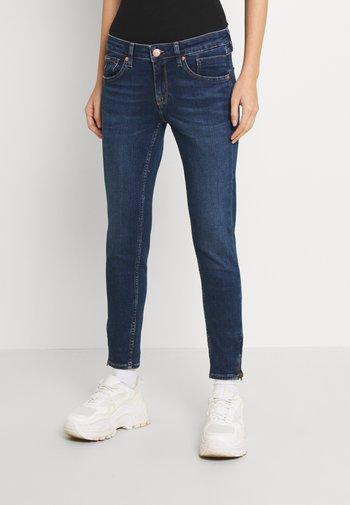 SCARLETT SKNY - Jeans Skinny Fit - denim dark