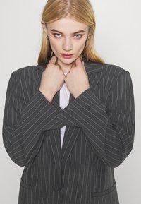 Weekday - MARLIN OVERSIZED - Short coat - grey - 4