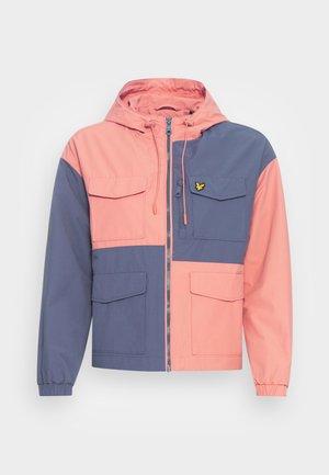 UTILITY PATCHWORK JACKET - Summer jacket - warm rose/nightshade blue