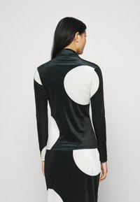 Who What Wear - MOCK NECK - Long sleeved top - black/white - 2