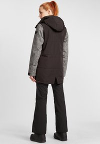 O'Neill - SNOW PARKA - Snowboard jacket - black out - 2