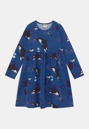 DRESS PLAYFUL ORCAS - Jersey dress - dark blue