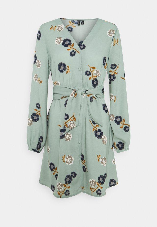 VMFALLIE TIE DRESS - Shirt dress - green milieu/newfallie