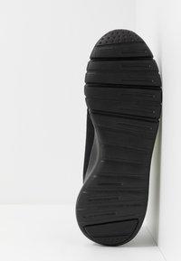EA7 Emporio Armani - SIMPLE RACER  - Sneakers - black/neon - 4