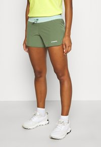 Patagonia - NINE TRAILS - Shorts outdoor - camp green - 0