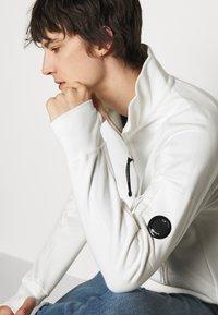 C.P. Company - Sweatshirt - gauze white - 3