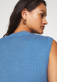 Moves - JULISO - Top - spring blue - 4