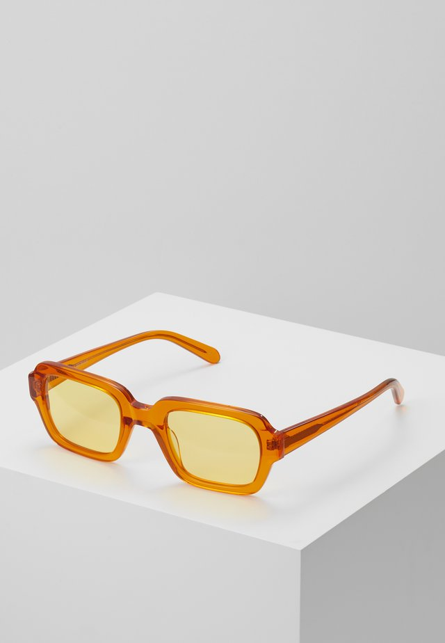 CODE - Lunettes de soleil - transparent/orange