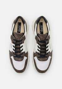 Guess - LUCCA - Trainers - white - 3